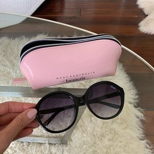 Quay Black Circle Sunglasses